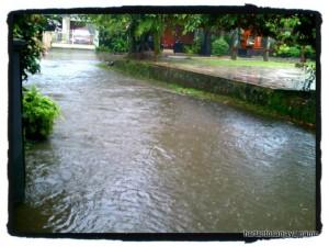 banjir sejenak