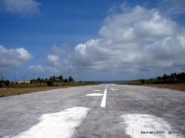 Landasan Bandara Olilit Saumlaki (2005).