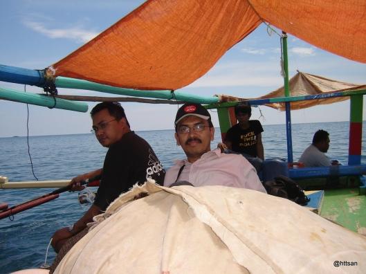 Mancing di Teluk Yos Sudarso.