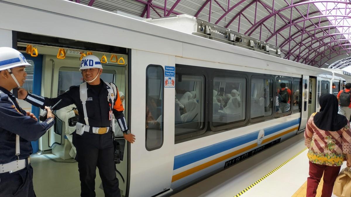 Wisata Naik LRT Palembang